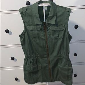Crazy 8 girl military green vest size L